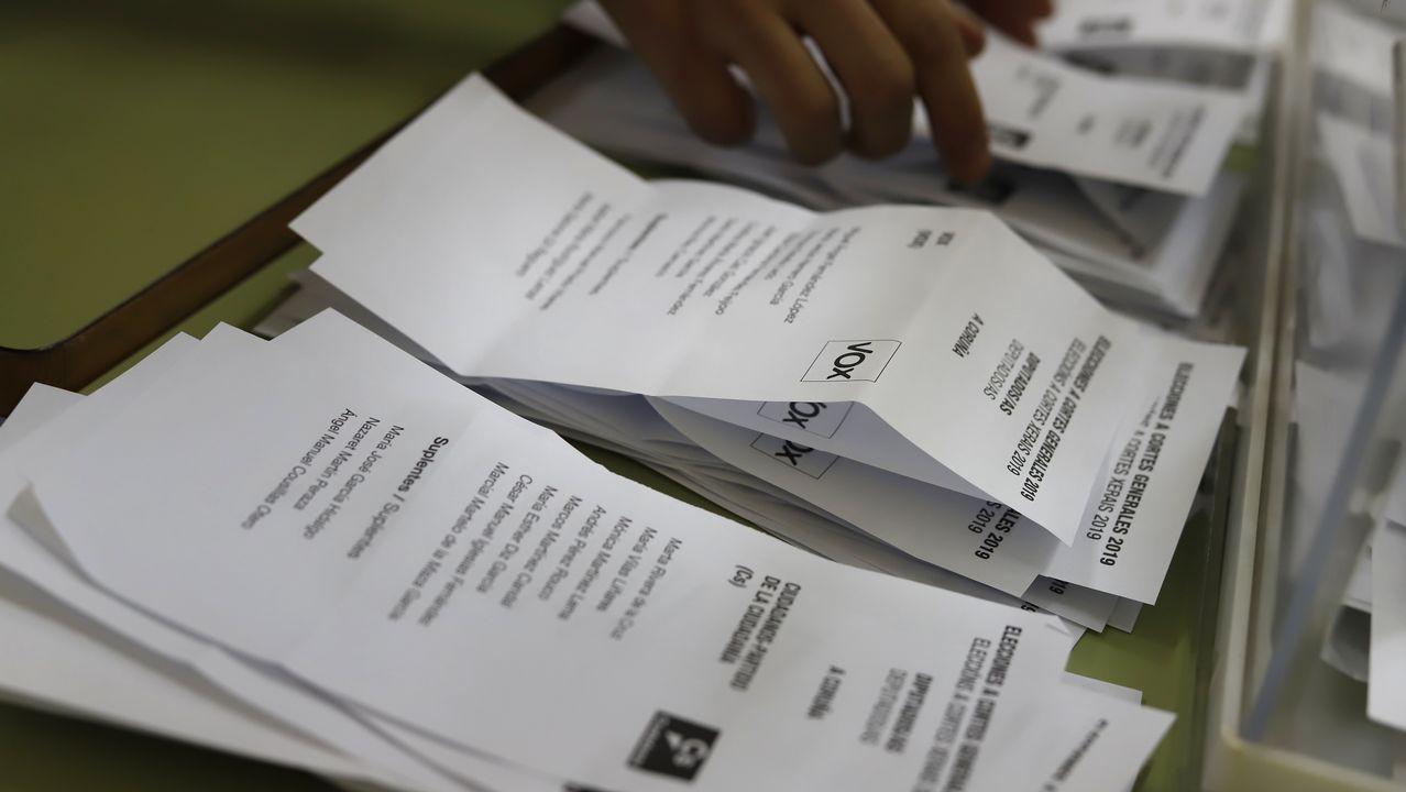 La trayectoria política de Pérez Rubalcaba en imágenes.Sánchez e Iglesias, el 11 de octubre, en la firma del proyecto de ley de presupuestos para el 2019