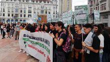 La protesta contra el cambio climático en Oviedo