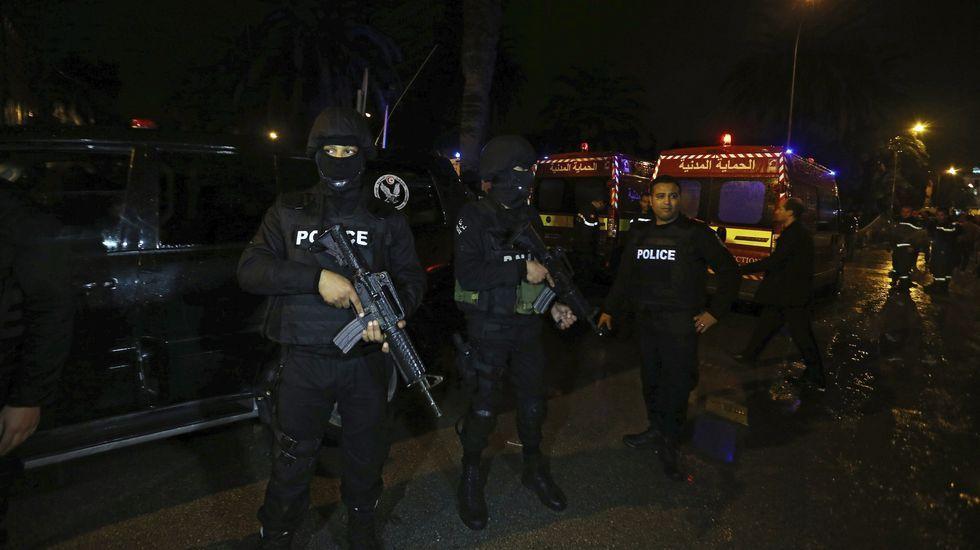 Al menos 13 muertos en un atentado contra la guardia presidencial de Túnez