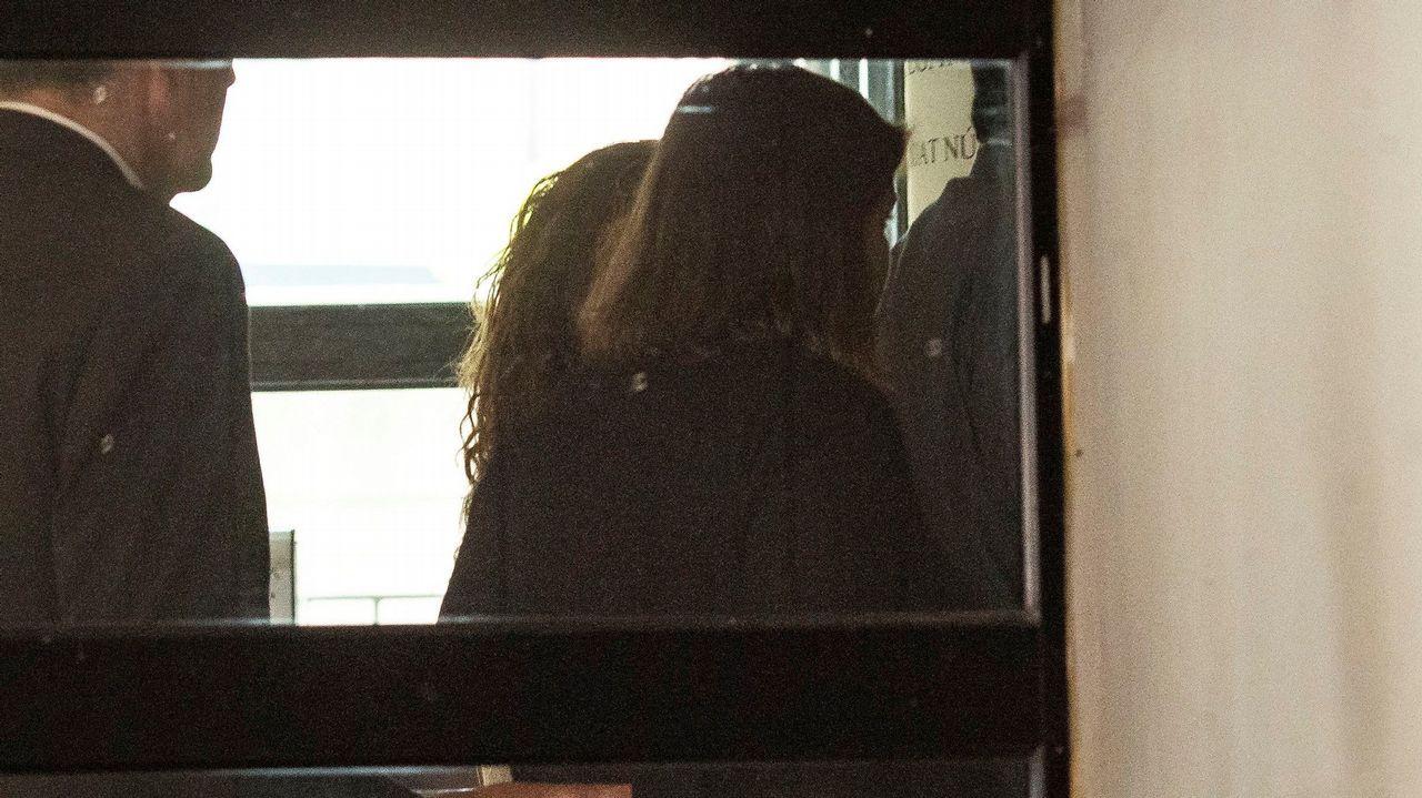 Pilar Rubio y Sergio Ramos protagonizan un romántico beso tras darse el «sí quiero».LITO GARRIDO, CANTANTE DE LA ORQUESTA PANORAMA