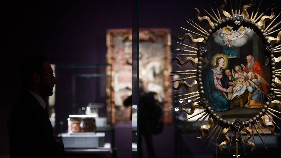 Los «Tesoros de la Hispanic Society of America» llegan a Madrid.El Rey Felipe VI pronuncia su discuro durante la ceremonia de entrega de los premios Princesa 2016 en el Campoamor