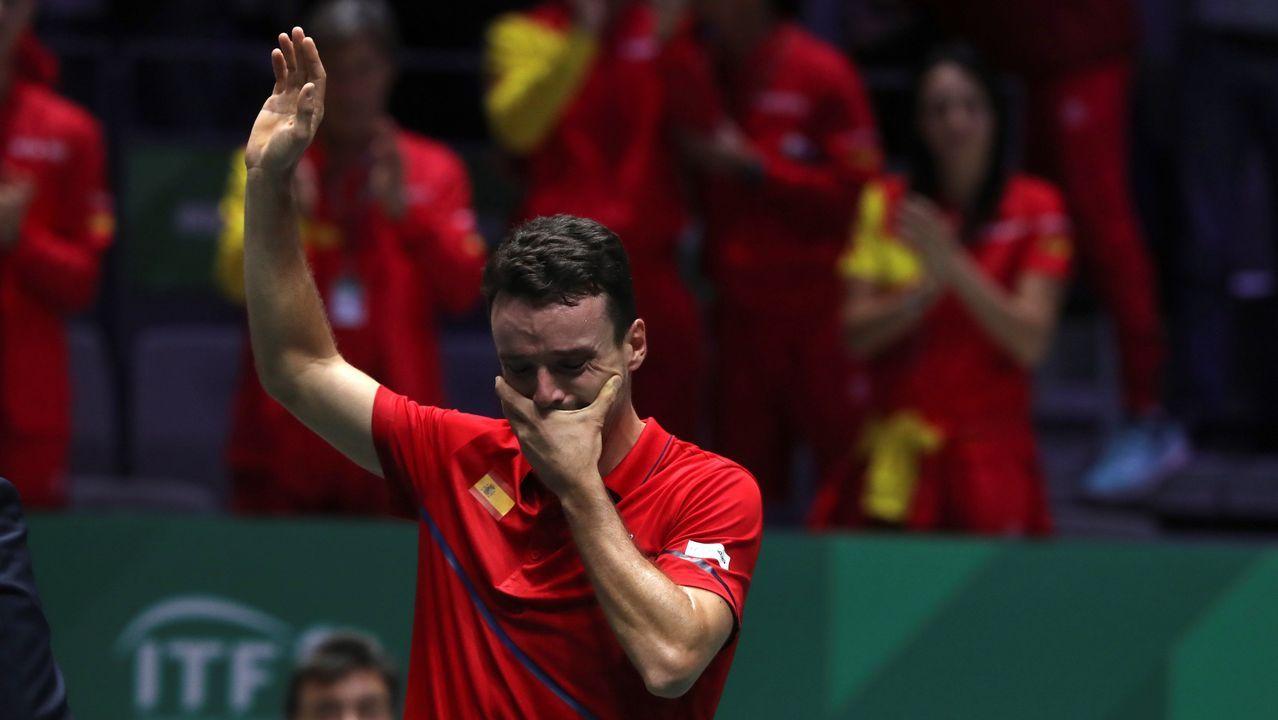 Bautista llora emocionado tras vencer al canadiense Auger-Aliassime en la final