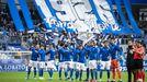 Los jugadores del Oviedo antes del comienzo del encuentro ante el Cádiz