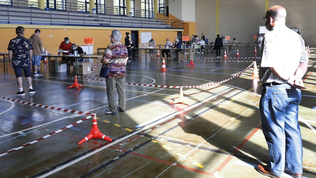 Centro de votación en Burela