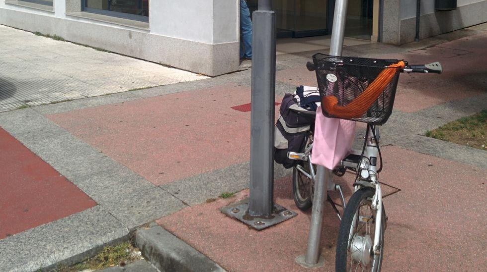 Los adeptos a las dos ruedas ya cruzan la ciudad.Uno de los accidentes ocurridos este año en la Senda del Oso