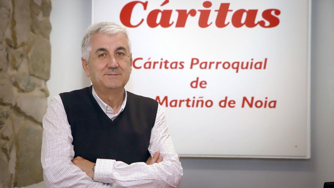 La solicitud del bono social generó largas colas el año pasado en la oficina de Naturgy en Ourense