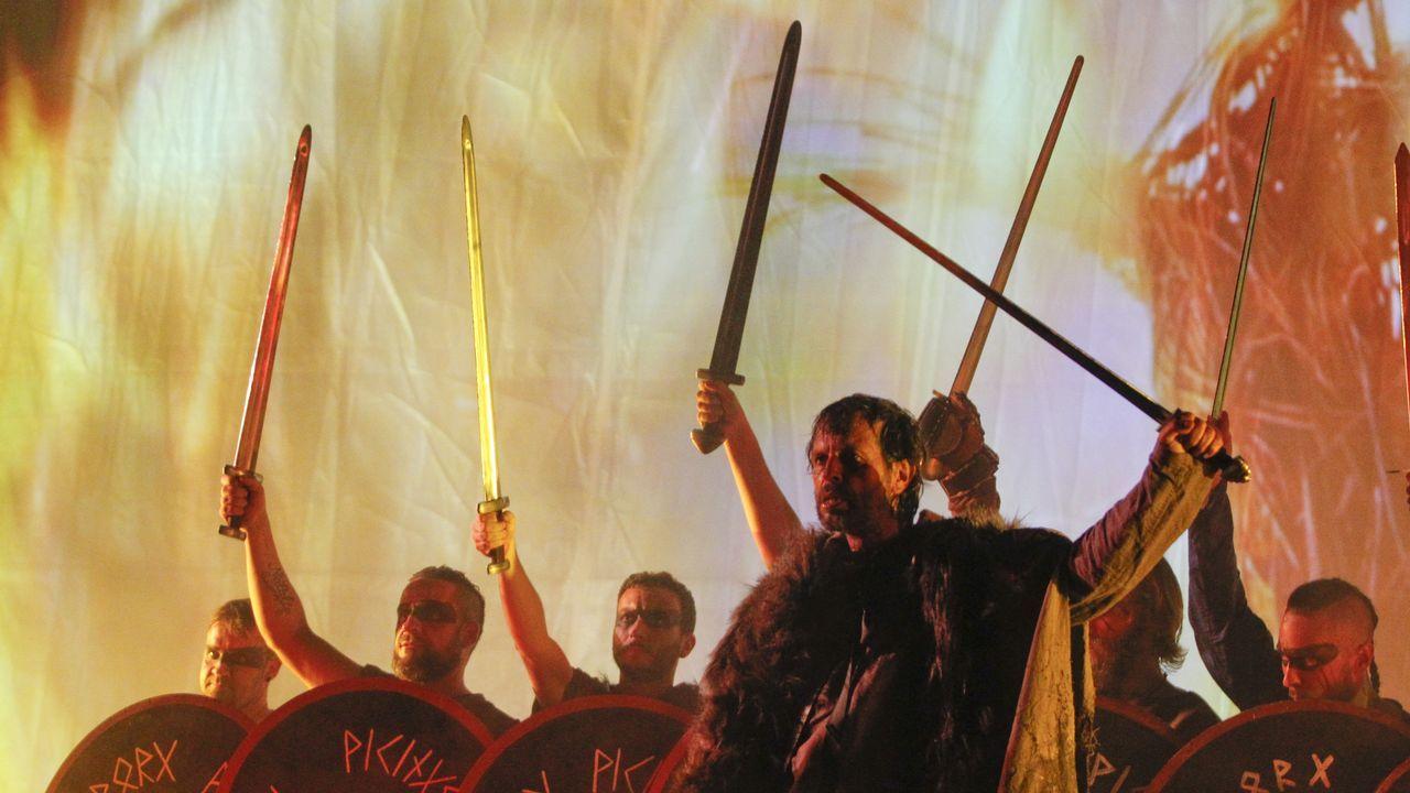 Así fue el desembarco de la Romaría Vikinga de Catoira.El Arnoia. En Allariz, O Arnado y Acearrica disponen de espacios verdes a la orilla del río