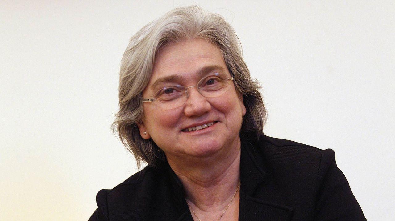Rosy Bindi, expresidenta de la Comisión Parlamentaria Antimafia, considera por su parte que el '41 bis' es una medida «muy eficaz» que evita que los jefes del crimen organizado puedan mantener su autoridad