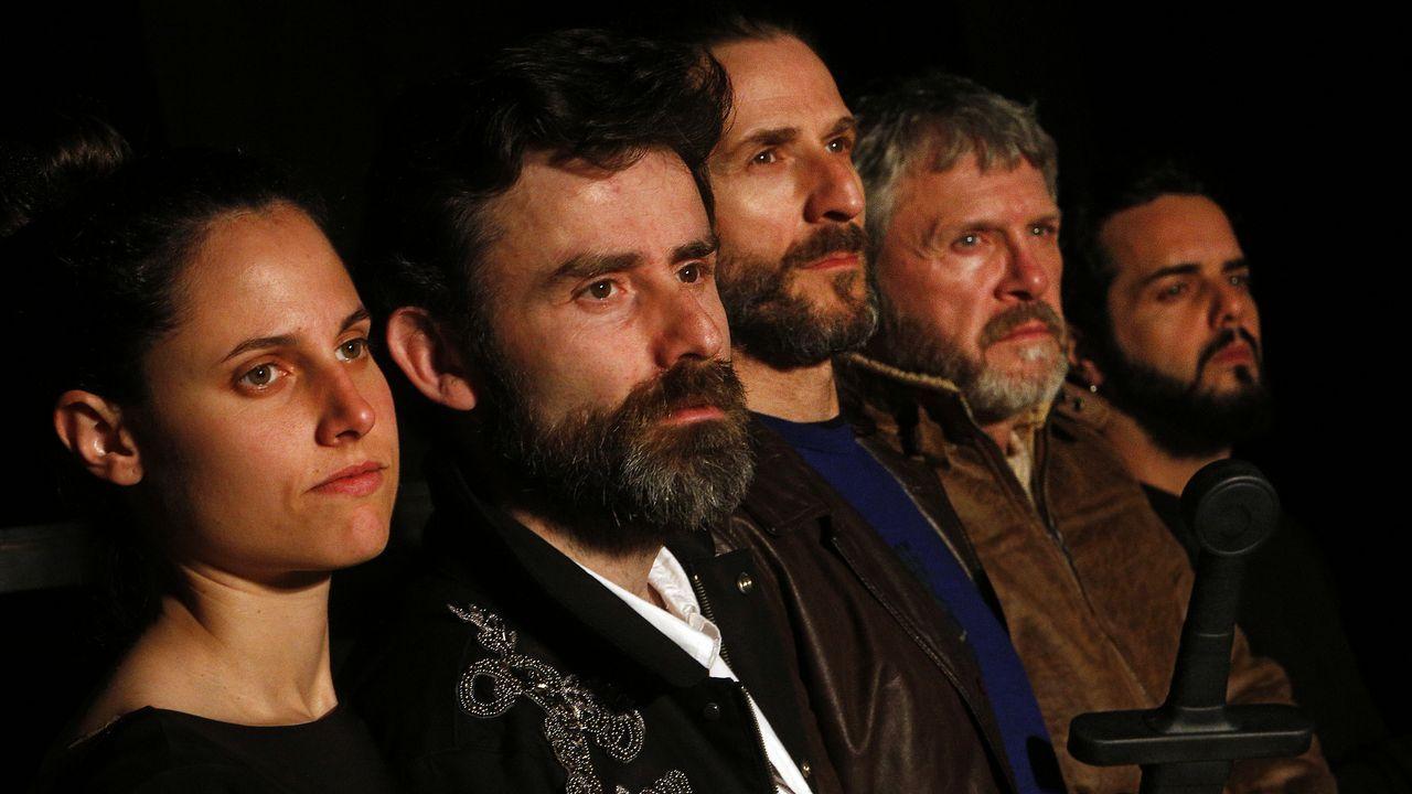De esquerda á dereita, Iria Ares, Xoán Carlos Mejuto, Carlos Sante, Luís Iglesia e David Perdomo
