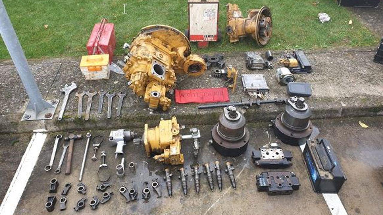 Material incautado por la Guardia Civil en la operacion de desmantelamiento de un grupo criminal especializado en robos con fuerza en instalaciones mineras