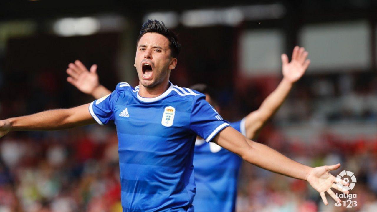 Javi Muñoz celebra su gol al Lugo