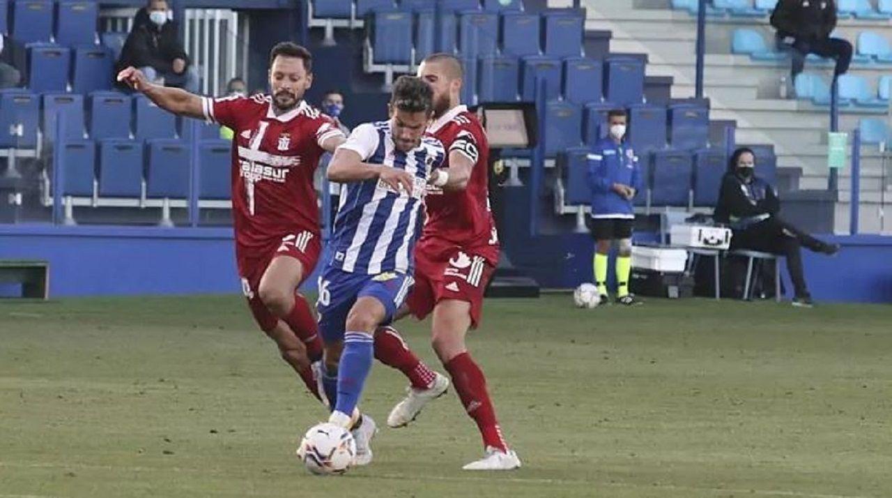 Curro, durante un partido con la Deportiva Ponferradina