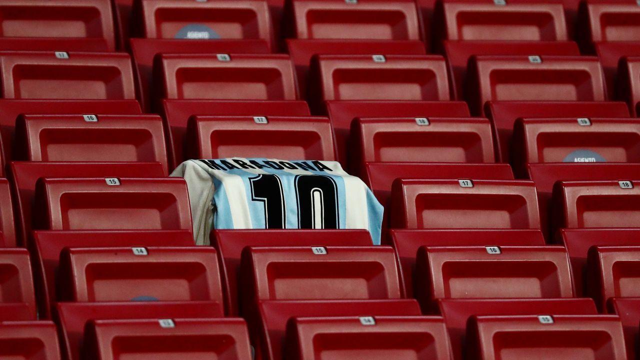 Una camiseta con el 10 en el Wanda Metropolitano anoche, en el partido entre el Atlético de Madrid y el Locomotiv de Moscú.