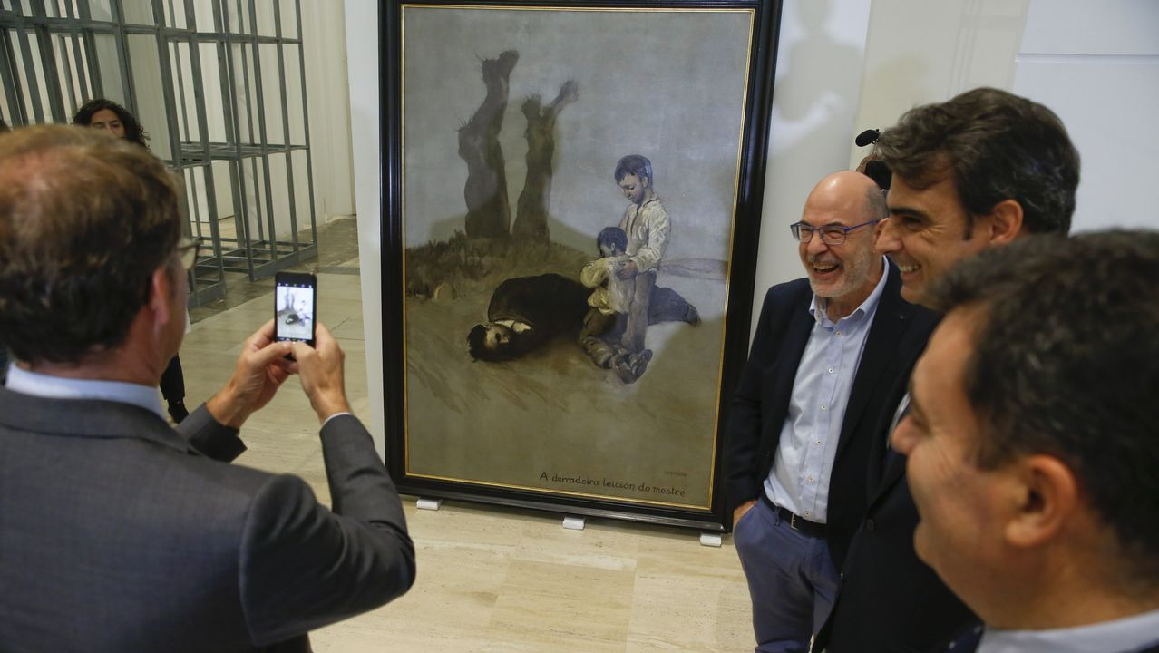 Feijoo recibió críticas por sus palabras sobre el cuadro de Castelao durante la recepción de la obra