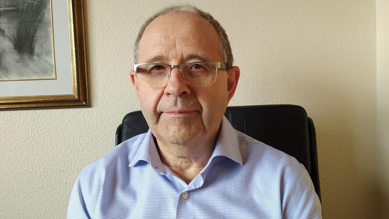 David Freire anuncia quehan dado el alta al primer paciente diagnosticado por COVID-19 en el área sanitaria de A Coruña.Isabel Martín, jefa de Farmacia del Chuac