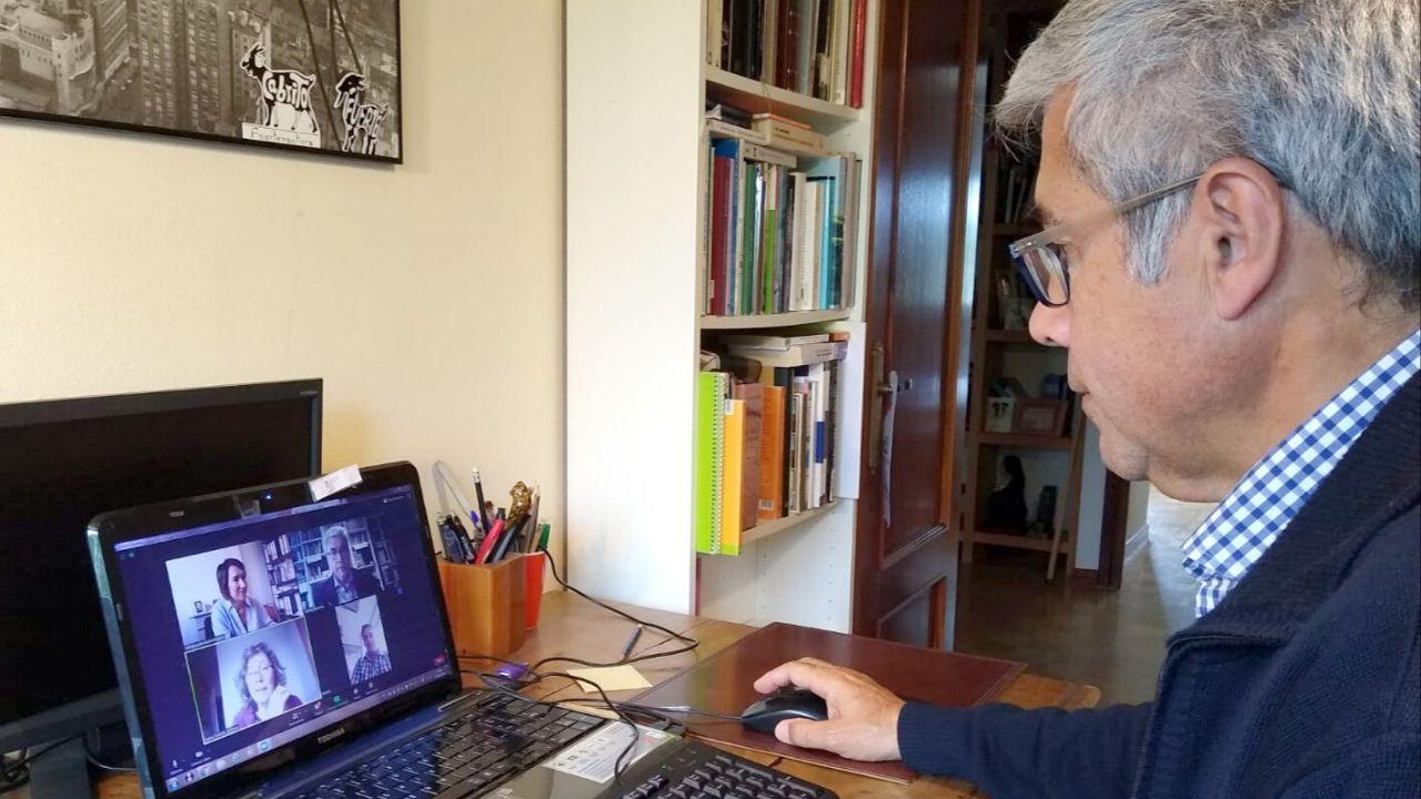Jaime Izquierdo, durante una videollamada con miembros de la Eusko Ikaskuntza