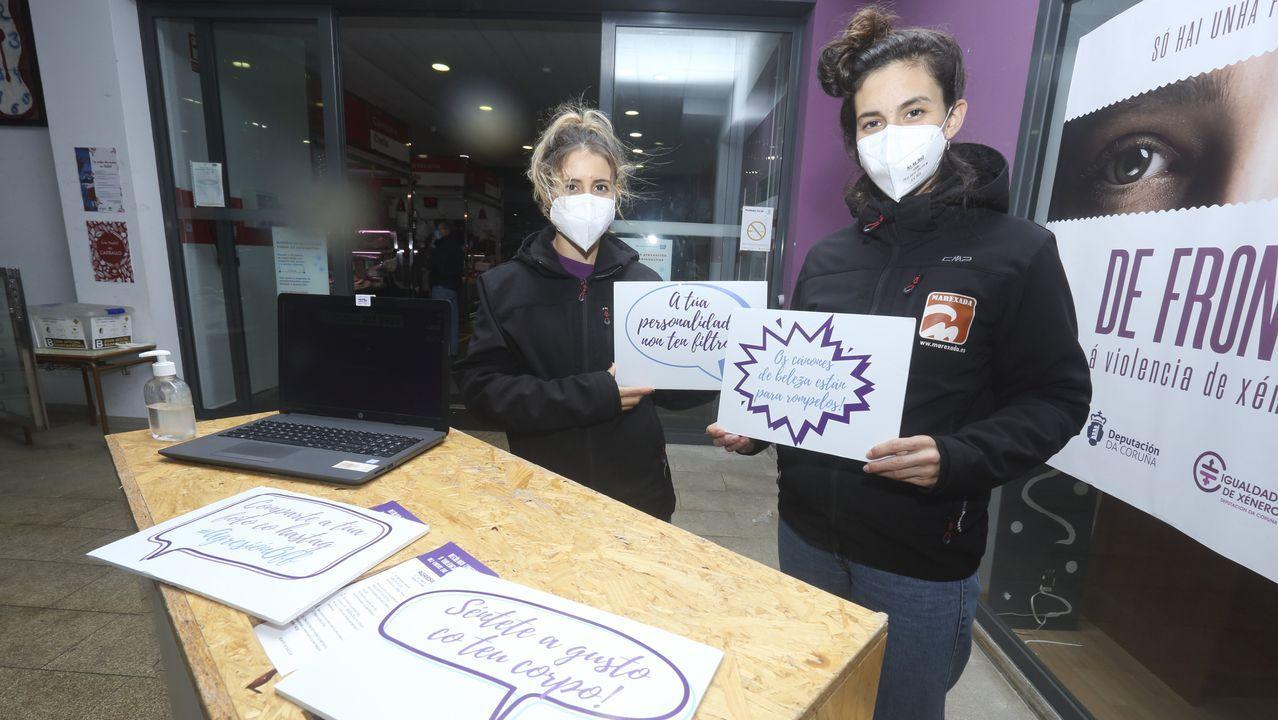 Agresión Off. La campaña recaló en Carballo para ofrecer obradoiros y actividades lúdicas con las que se concienció sobre la violencia de género.