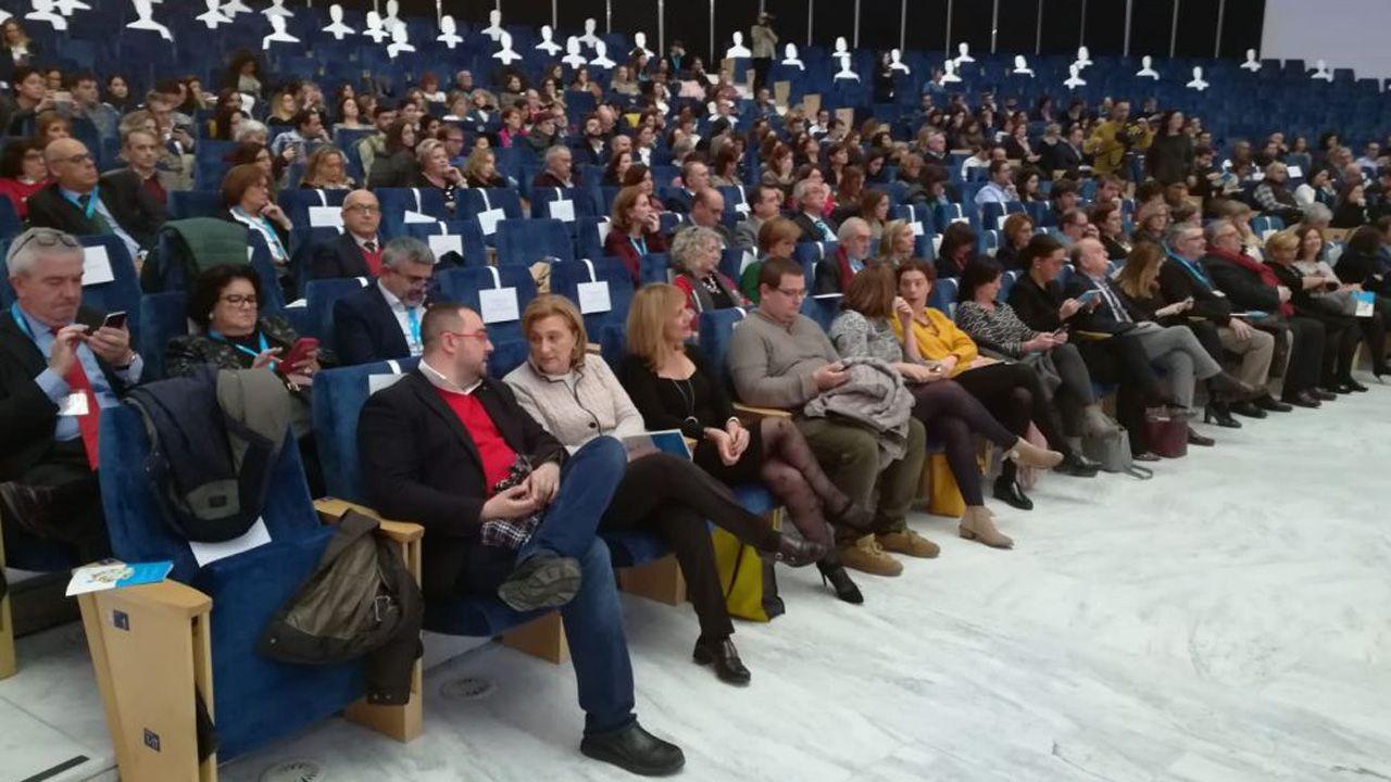 Oviedose convierte en la capital de España de la Infancia.Escanciador de sidra