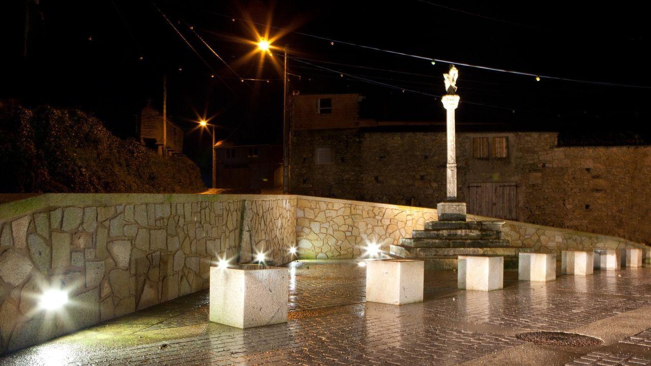Plaza de la parroquia de Salgueiros