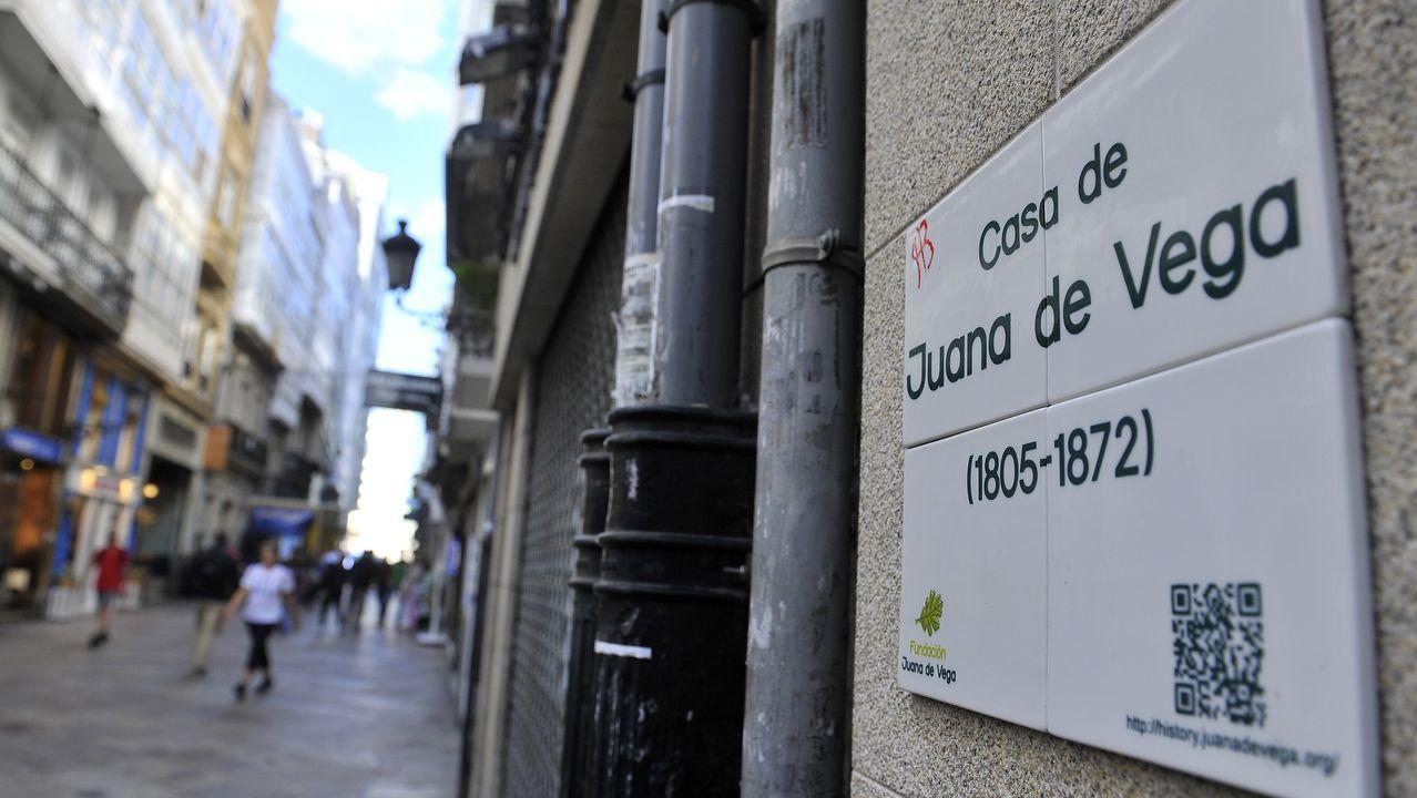 Obdulia comenta su proyecto para acondicionar Manuel Azaña.Inauguración de la sede de Padre Rubinos en el año 2014