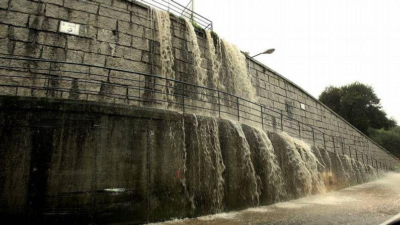 Inundaciones en Artes (Ribeira).Parte de la ejecutiva provincial se reunió ayer con alcaldes.