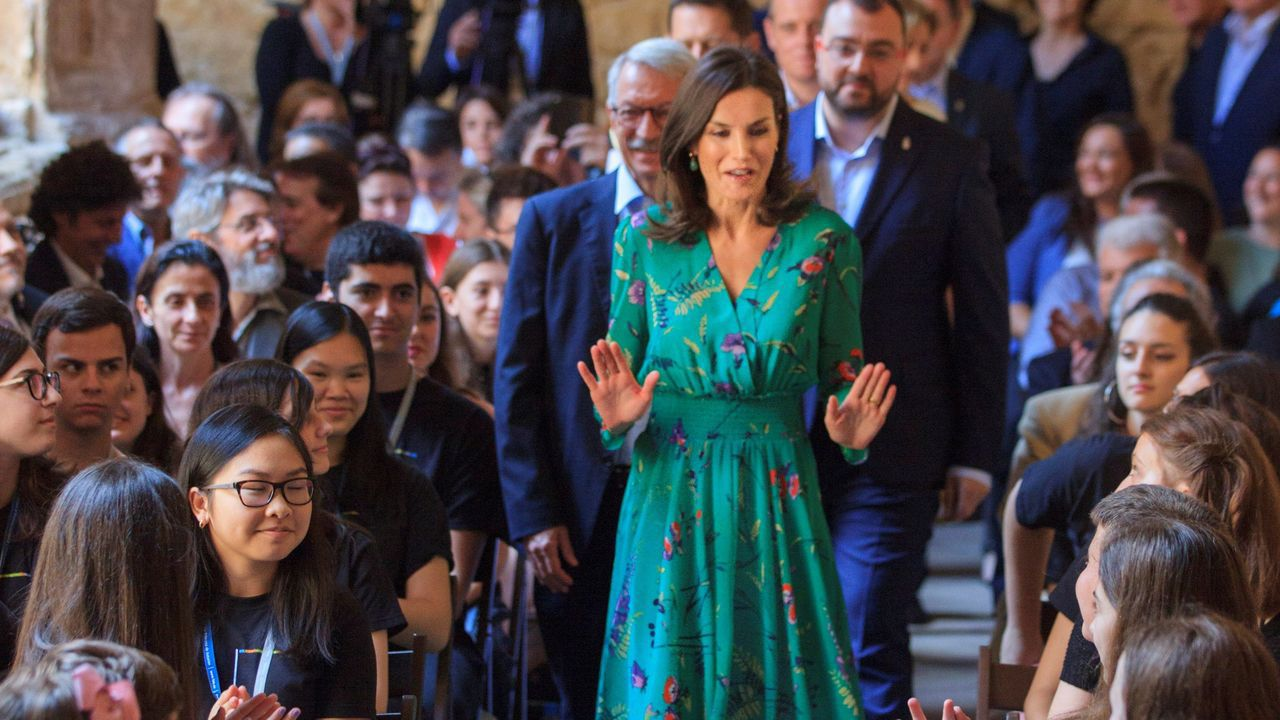La reina Letizia asistió a la lección magistral que el director de orquesta Aarón Zapico