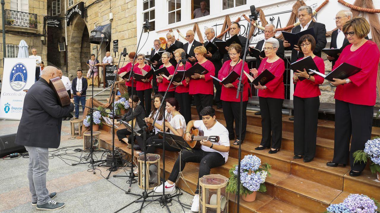 La Festa da Xouba y la Feira do Libro llenan Rianxo