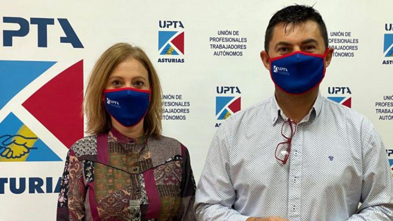 Almudena Cueto, representante de UPTA Asturias, junto Eduardo Abad, presidente de UPTA España