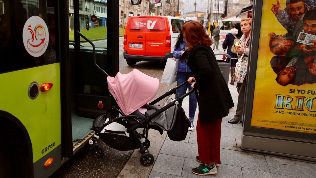 El Black Friday llena las zonas comerciales de A Coruña.Reconocimiento facial