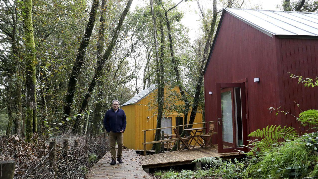 Javier Álvarez emprendió este verano un negocio de turismo de naturaleza en pleno bosque en Touro
