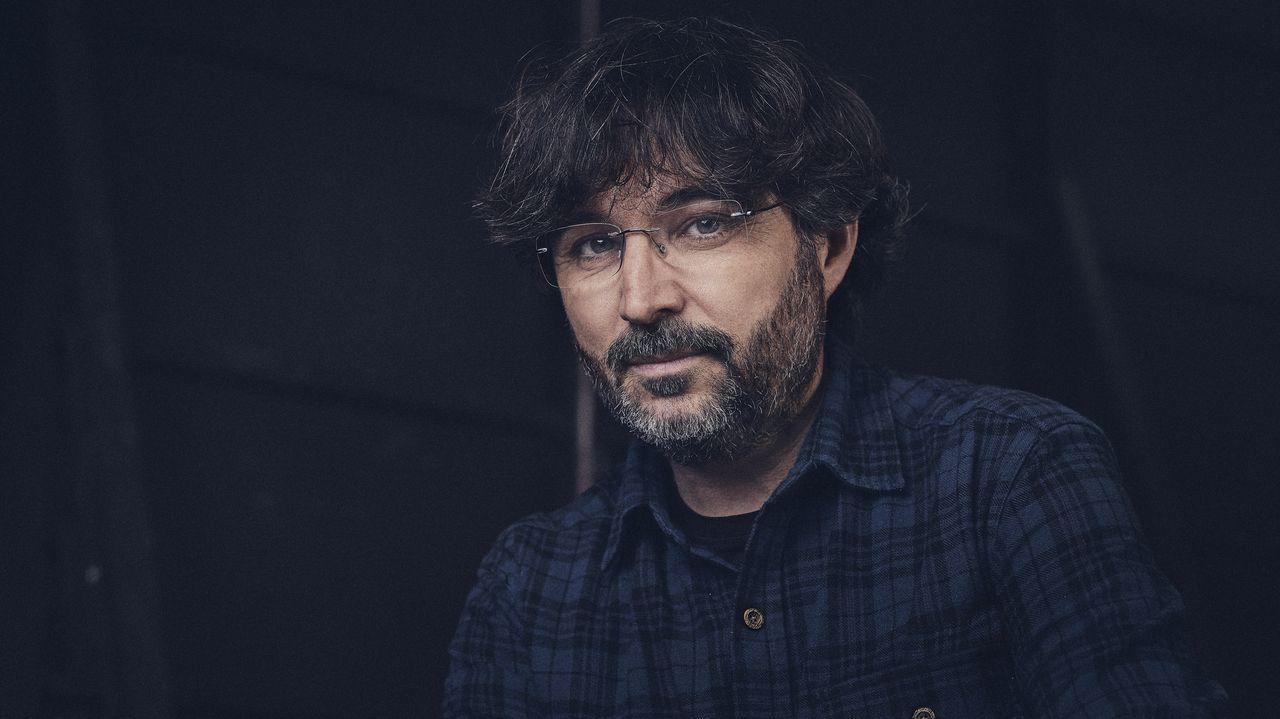 Rafael Simancas conversa con Pablo Echenique en el Congreso