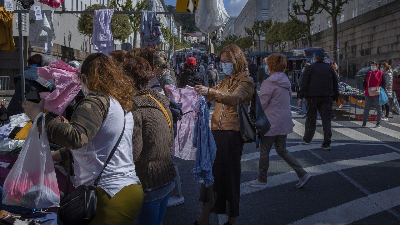 La ampliación de horarios en la hostelería y el fin de los cierres perimetrales ha permitido una recuperación del empleo en abril en el área de Santiago