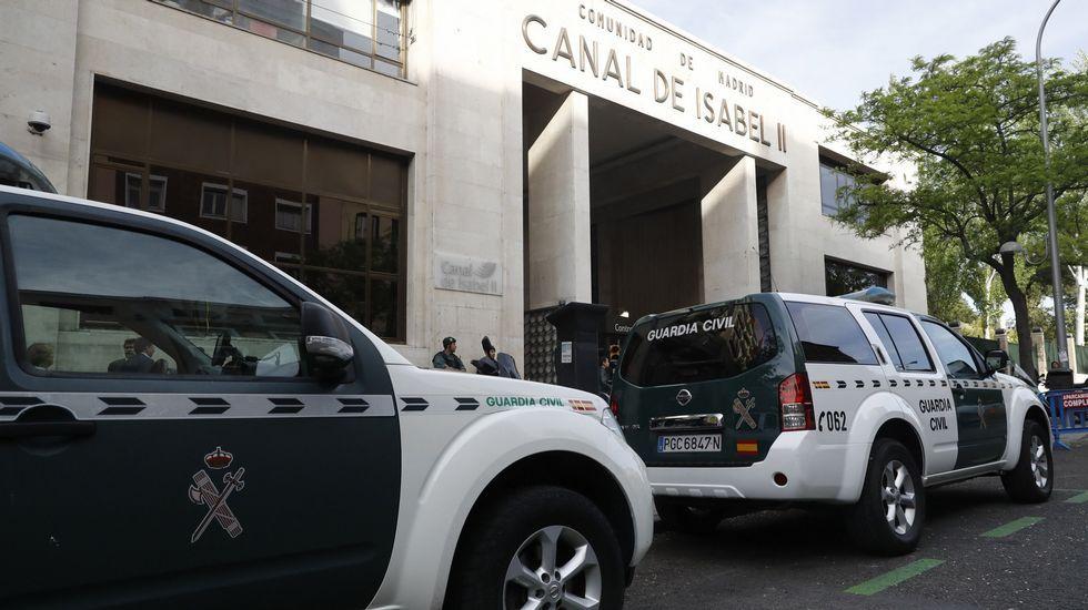 IGNACIOGONZALEZH.Ignacio González, a su llegada anoche a la Comandancia de la Guardia Civil de Tres Cantos, Madrid