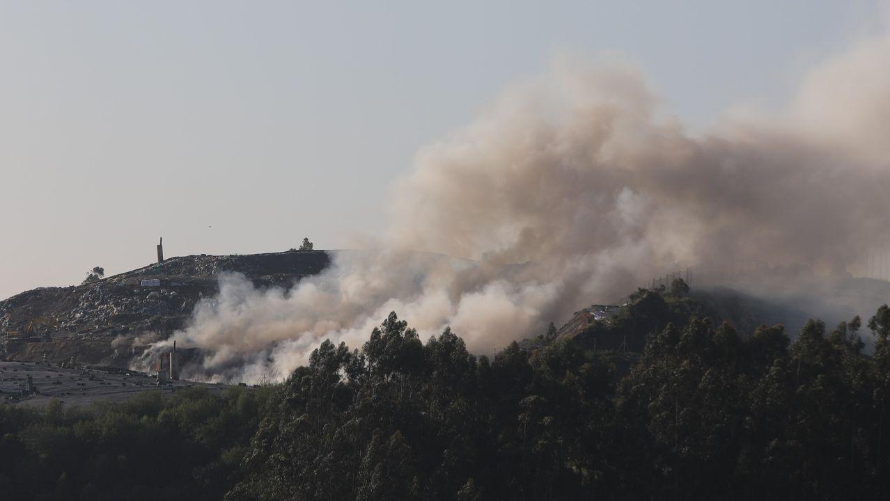 Incendio en el vertedero de Miramontes