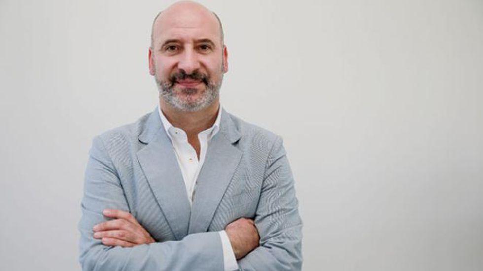 Javier Fernández interviene en el Comité Federal del PSOE, con Pedro Sánchez al fondo.Fernando Garrido