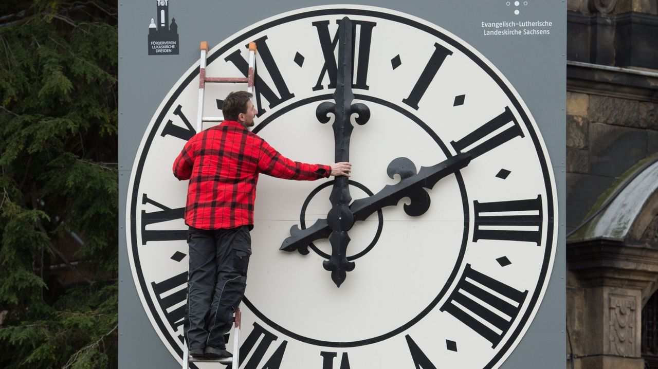 La Comisión Europea aprueba el fin del cambio de hora.Juncker es el gran impulsor de la abolición del cambio de hora