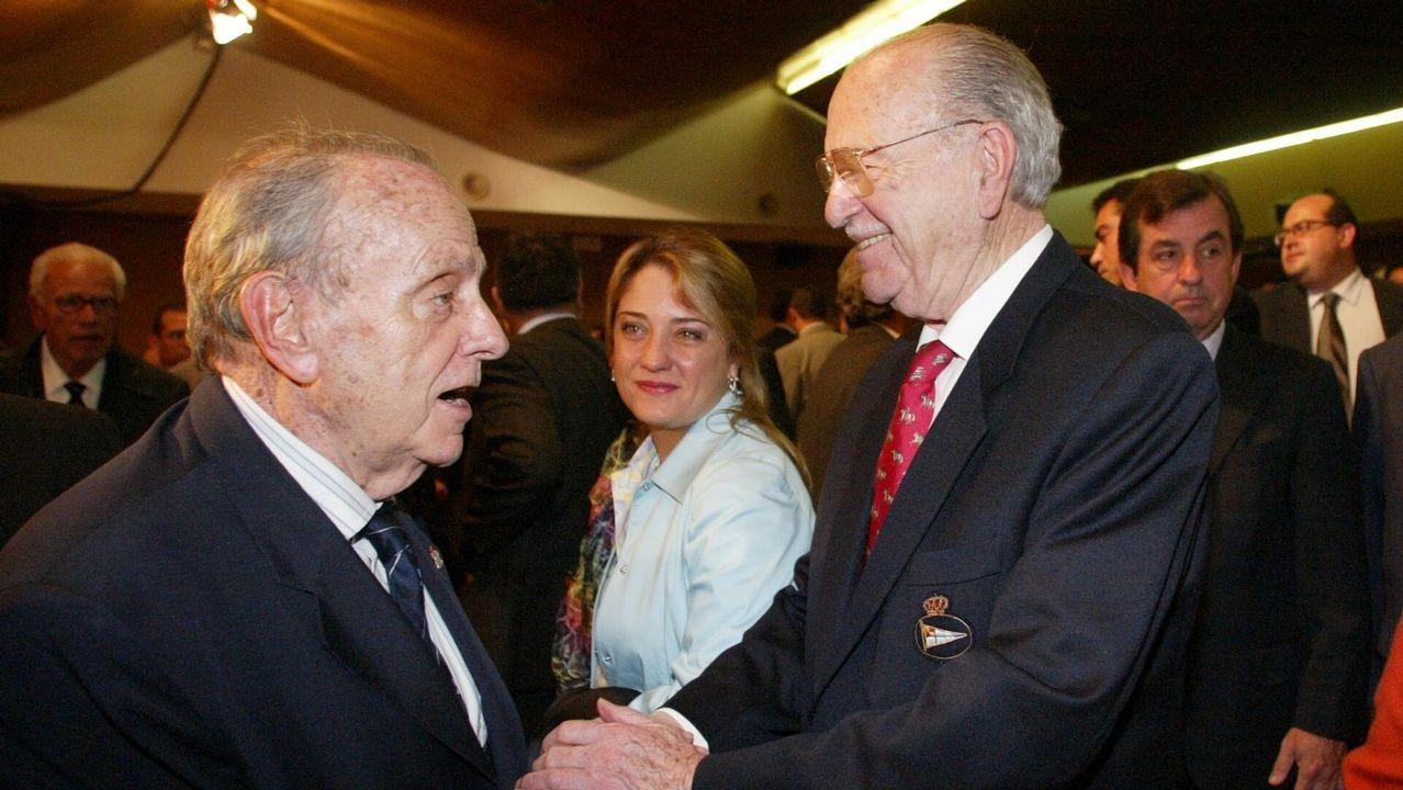 Acto de entrega de las Medallas Castelao 2005 en el Pazo de San Caetano en Santiago.