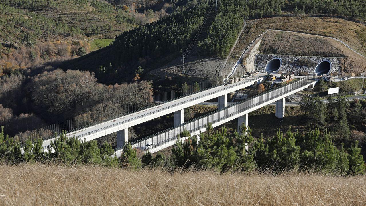 Un viaducto en el tramo del AVE Lubián-Ourense
