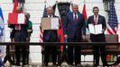 El ministro de Exteriores de Baréin, Abdulatif bin Rashid al Zayani; el jefe de Gobierno de Israel, Benjamín Netanyahu;  Donald Trump, que firmó  el pacto en calidad de mediador, y el titular de Exteriores de los Emiratos Unidos, Abdulá bin Zayed al Nahyan