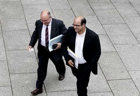 Paco Reyes y Rubén Cela esperan que Hernández mejore las relaciones con la oposición.