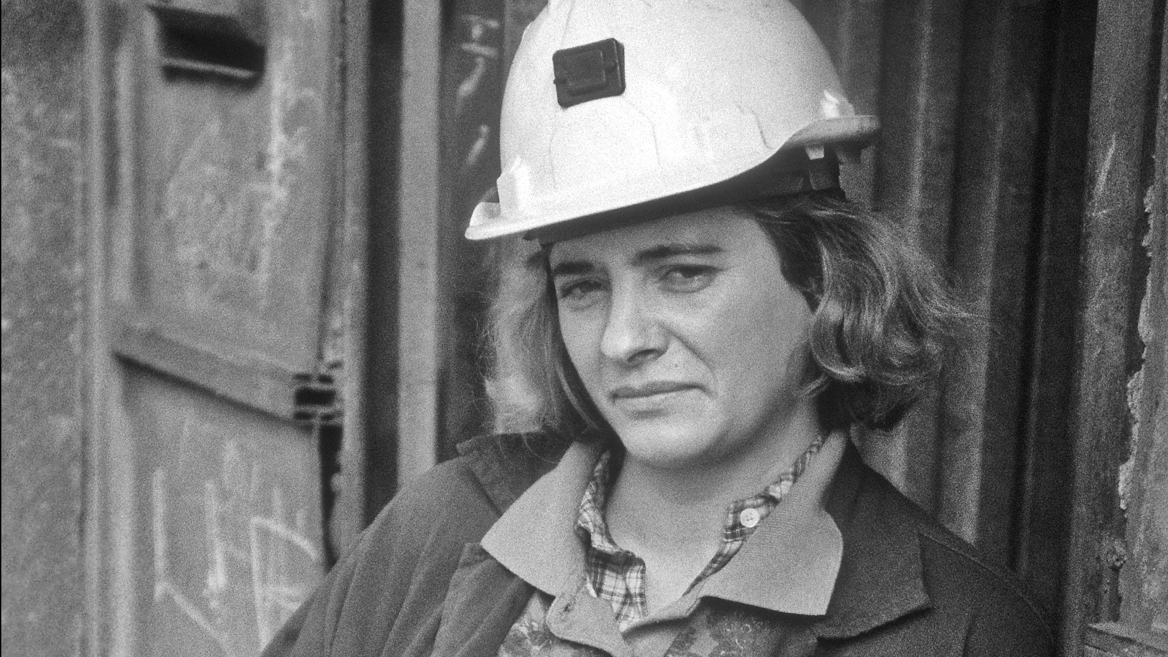 Teresa, trabajadora minera en labores exteriores. Pozo Monsacro. Riosa. 1992