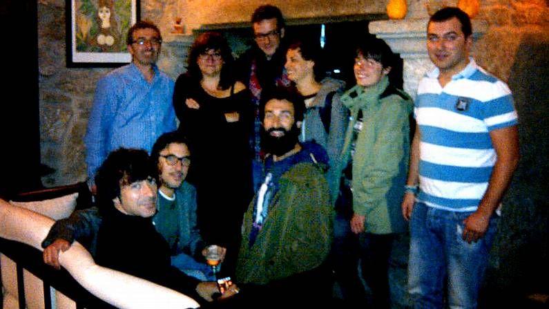 Isabel Coixet, con su equipo en la casa de turismo rural Ínsula Finisterrae de Fisterra