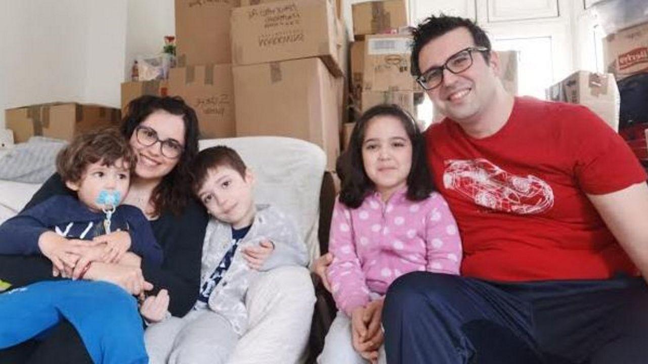 Giada y Alessandro con sus hijos Tommaso, Samuele y Aurora