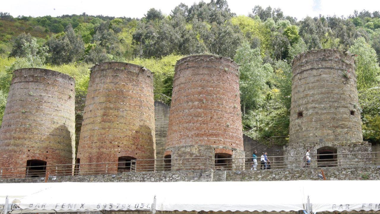 La vivienda comunitaria del CDR O Viso esta integrada en la aldea de Lodoselo (Sarreaus)