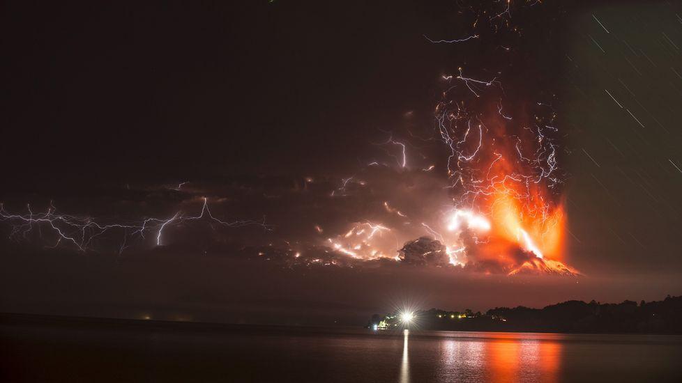 La explosión tomó por sorpresa a la población pues no hubo alertas previas a la erupción.