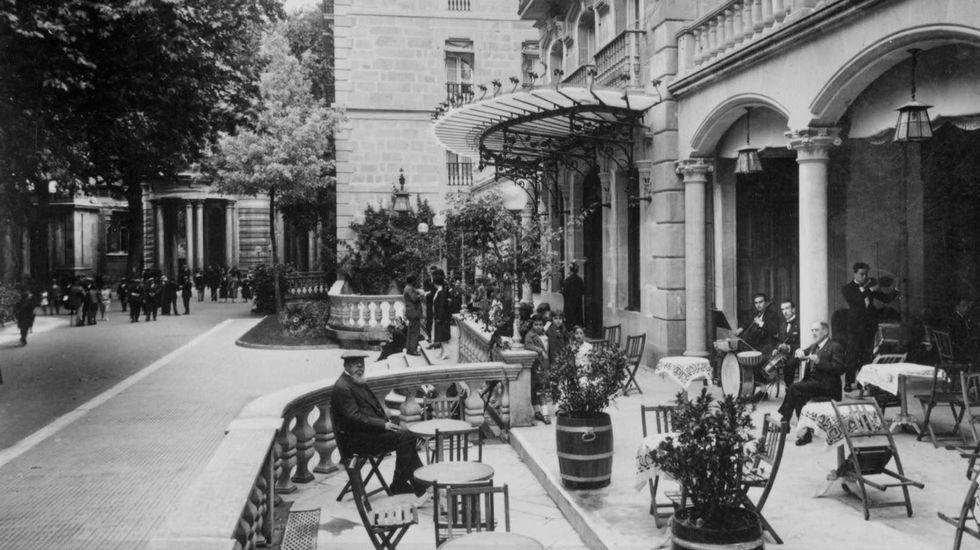 Instalaciones del balneario de Mondariz hace más de cien años