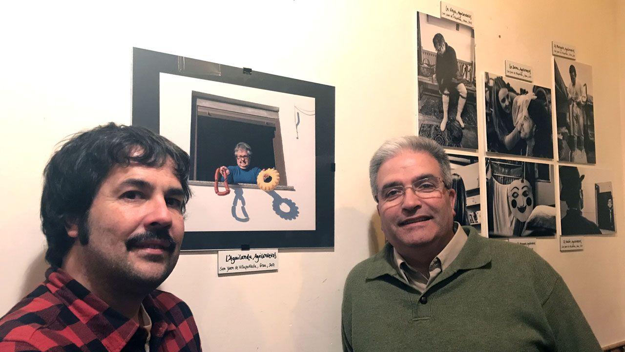 Iván G. Fernández y Pablo Canal, en la exposición de fotos «Mazcaraes».Iván G. Fernández y Pablo Canal, en la exposición de fotos «Mazcaraes»