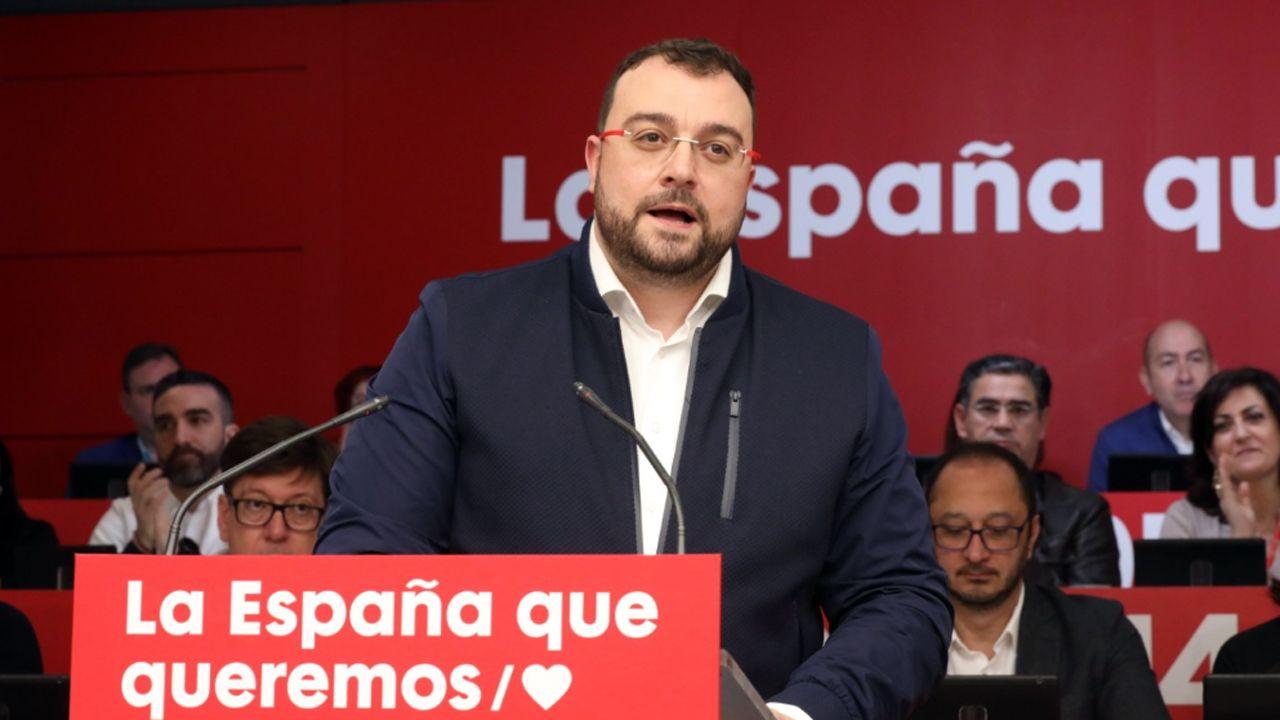 Protestas en contra y a favor de la despenalización de la eutanasia en España