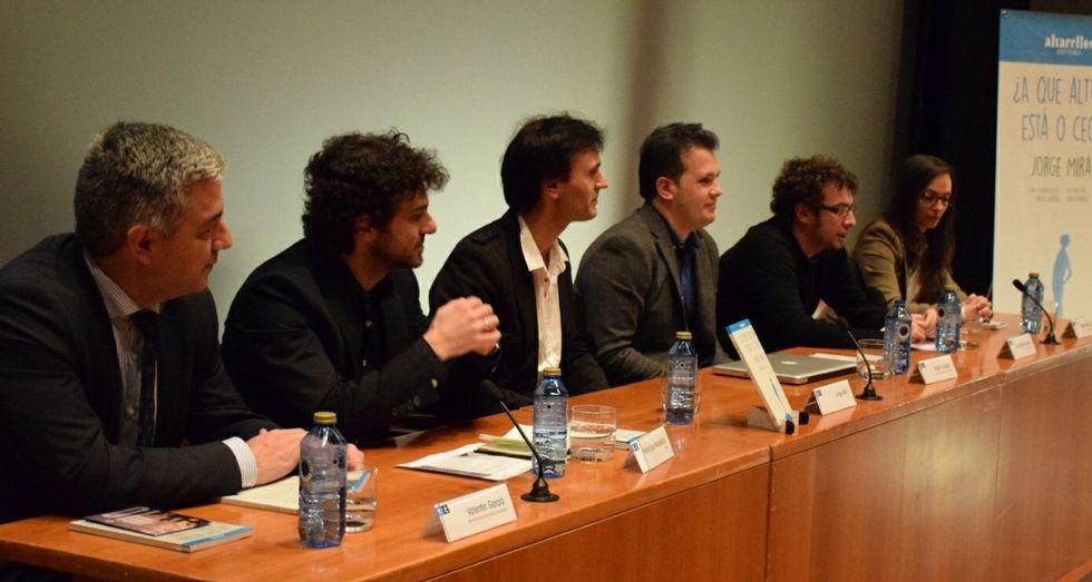 Los participantes en la presentación celebrada ayer en A Coruña.