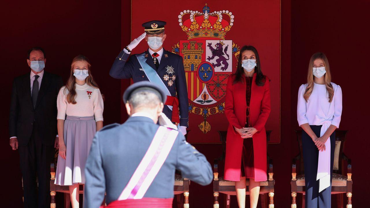 La princesa Leonor (izquierda), Felipe VI, doña Letizia y la infanta Sofia
